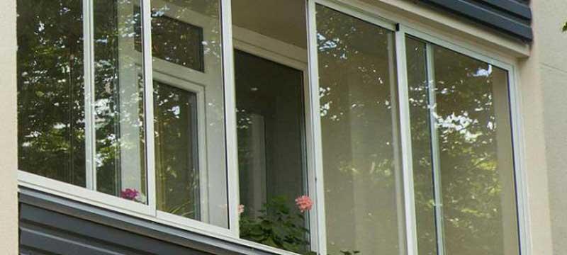Раздвижное остекление балконов и лоджий в одинцово алюминиев.